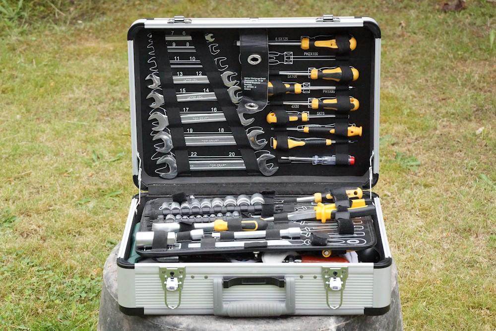 Werkzeugkoffer mit Werkzeug Set