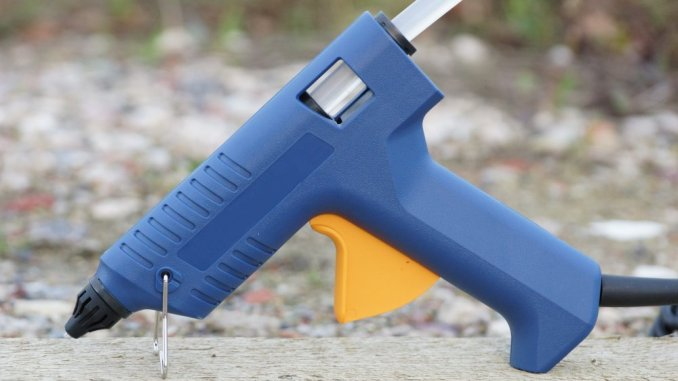 Heißklebepistolen Test