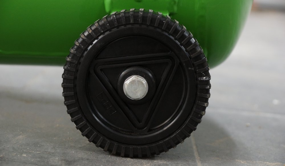 Reifen am Kompressor