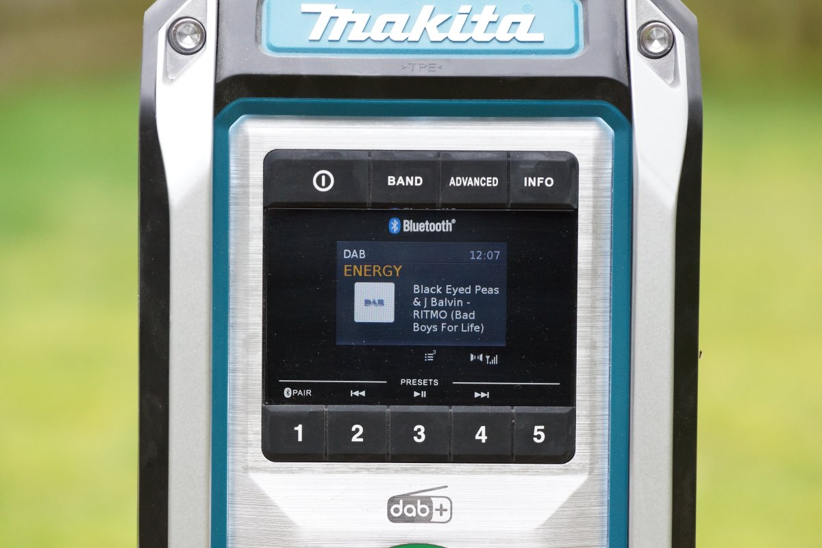 Makita DMR115 Test Baustellenradio mit DAB+